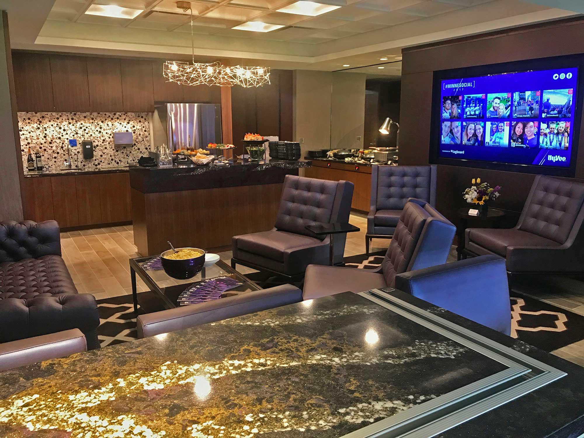 Super bowl lii suites for rent suite experience group for Rent a center living room groups